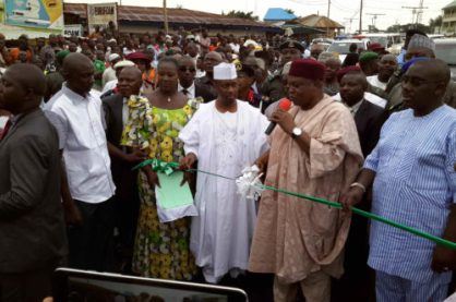 Gov. Ishaku Commissions 2 Roads As He Inspects On Going Projects.
