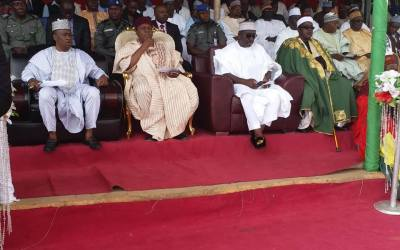 His Excellency, Arc. Darius Dickson Ishaku seated together with his Deputy, Engr. Haruna Manu (to his right), Rt. Hon. Speaker Abel Peter Diah (to his right) and the Mboduah Mbamnga, HRH. Amb. Dr. E. Q Njiwah during his visit to Sardauna Local Government Area