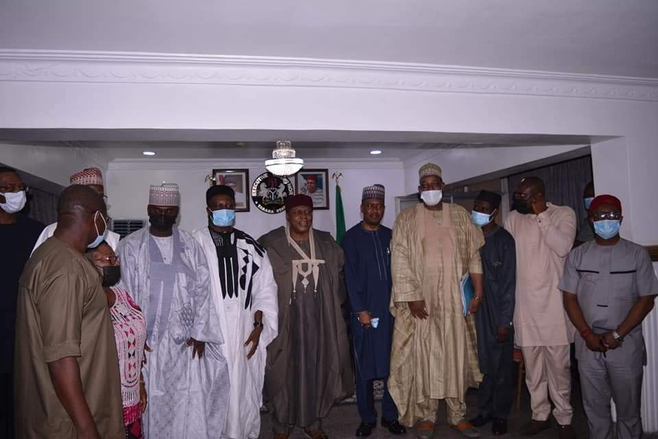 Taraba Pledges to Support for Transformation of FUW
