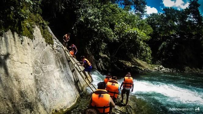 Bakngeb Cave River