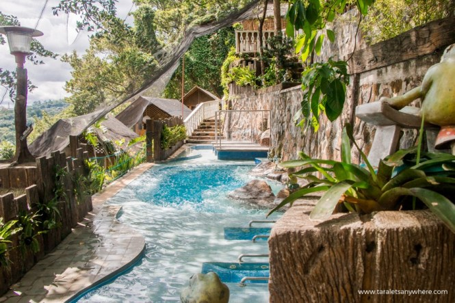 Luljetta's Hanging Gardens and Spa hydro-massage pool-1