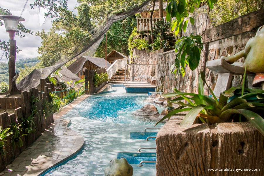 Luljetta's Hanging Gardens and Spa hydro-massage pool-1