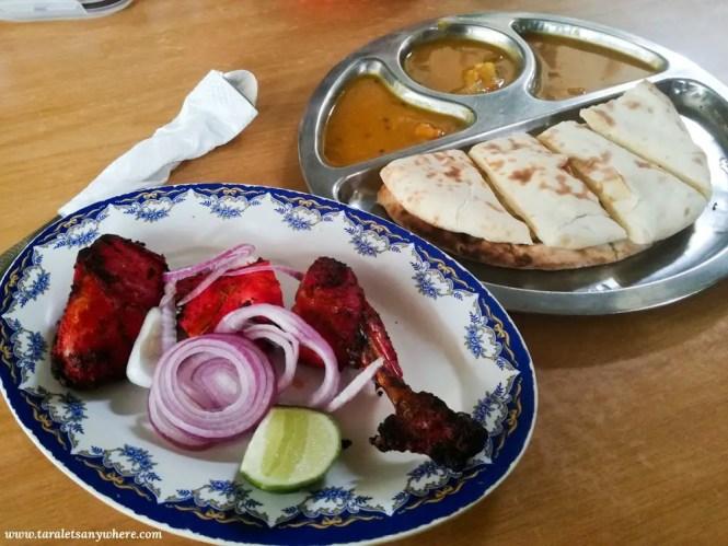 Tandoori ayam and naan