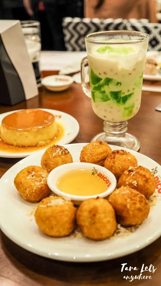 Desserts in Rico's Lechon