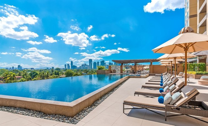 Manila staycations with infinity pool - Discovery Primea