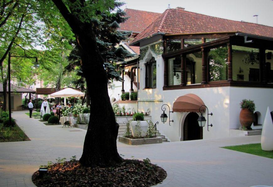 gusturi-ca-la-mama-acasa-5-restaurante-cu-specific-romanesc-din-bucuresti-pe-care-sa-le-incerci-macar_7