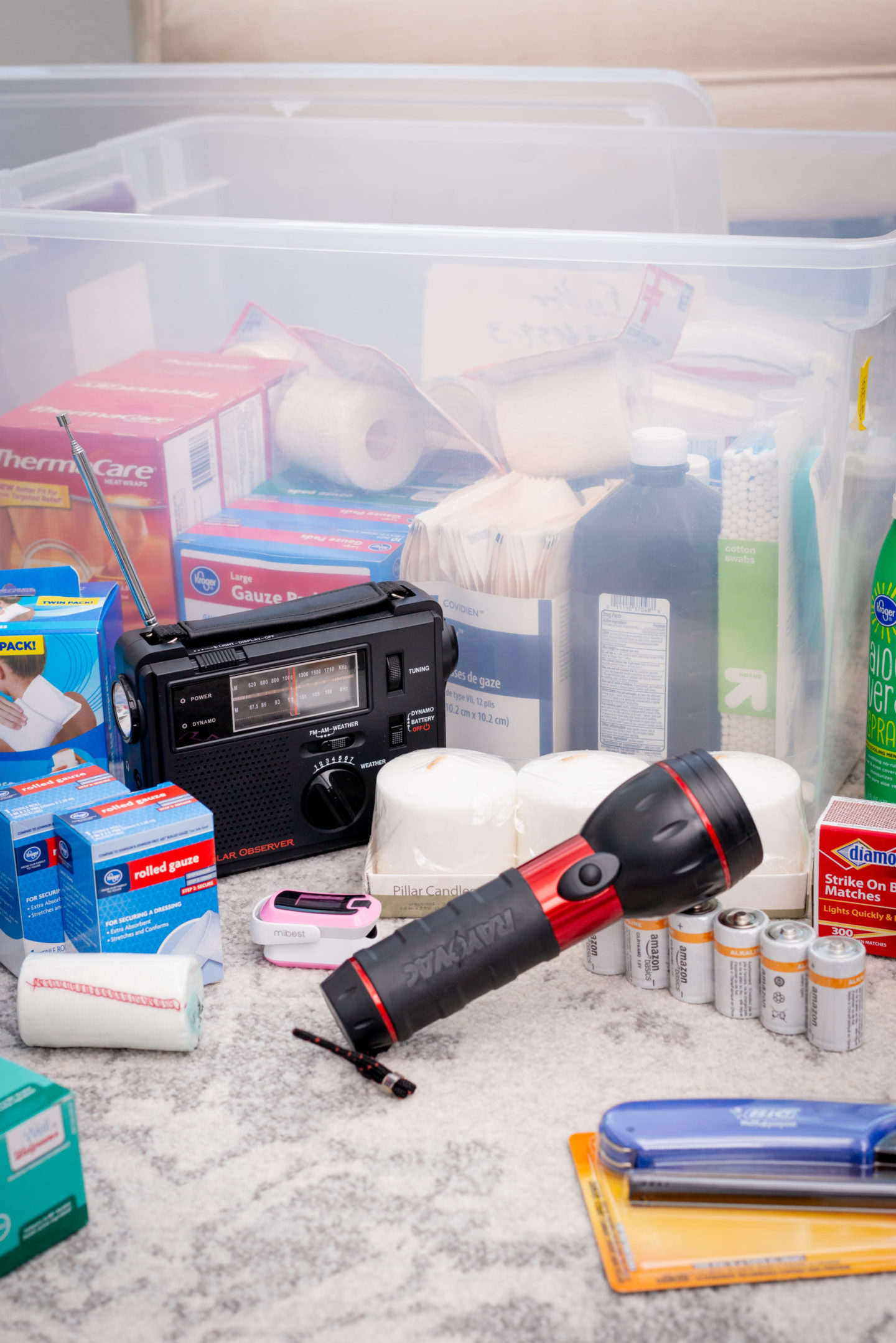 preparing an emergency disaster kit