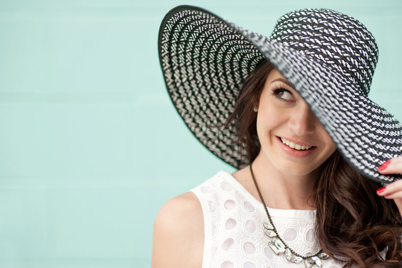 girl with a wide brimmed hat Calgary portrait photography by Tara Whittaker