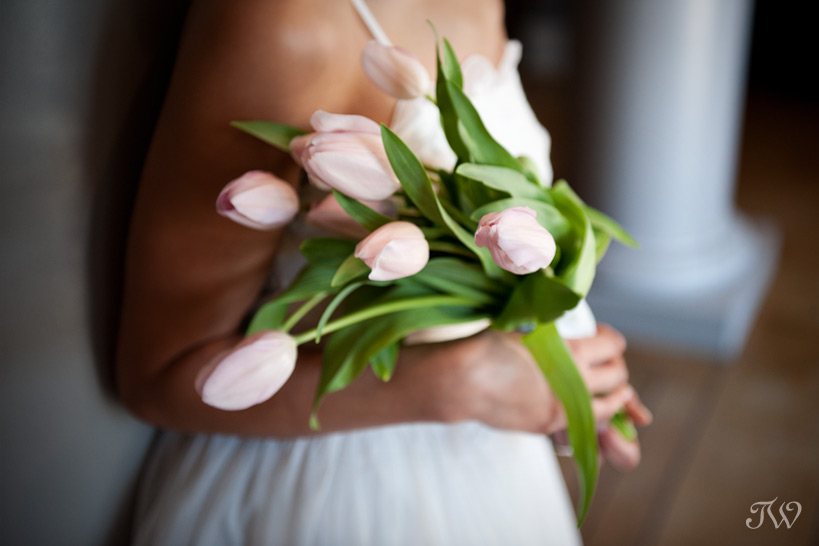 tulip-wedding-bouquets-calgary-wedding-photographer-01