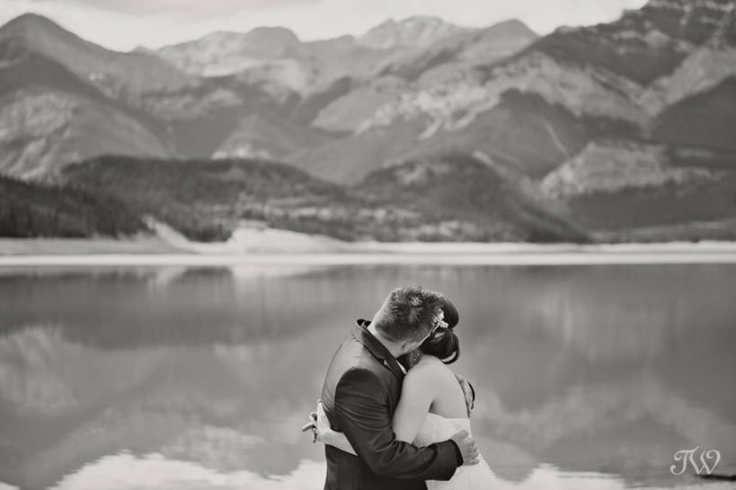 Barrier Lake wedding captured by Calgary wedding photographer Tara Whittaker