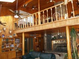Den at Tara Lodge