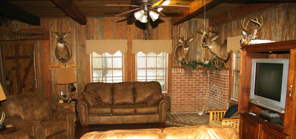 Rustic Cabin For Rent: Vicksburg, Mississippi - Tara Wildlife