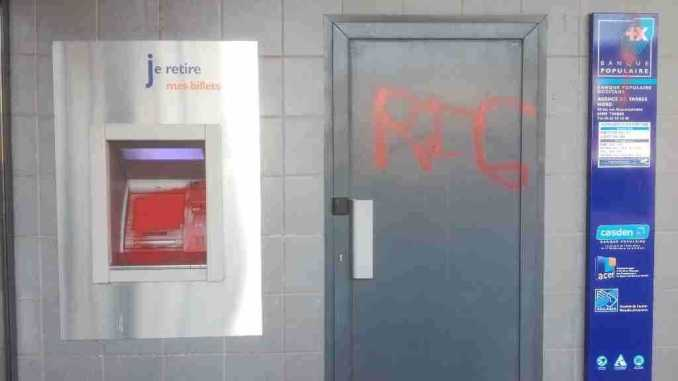 Plusieurs banques vandalisées à Tarbes
