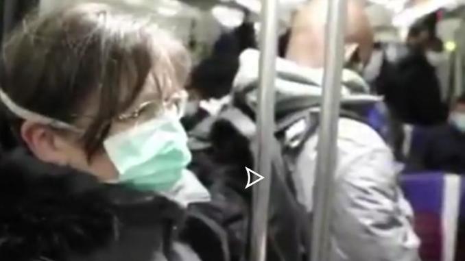 Déconfinement des lignes de métro bondées à Paris vidéo