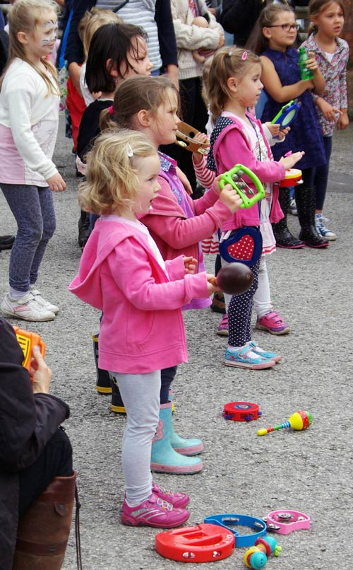 Children watching the Appalachian step dancers