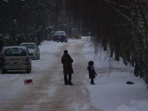 Ale nasz reporter zdobył dowód, że to bardzo ładna uliczka. Choć może faktycznie czasami ciężko tu przejechać samochodem / fot. targowek.info