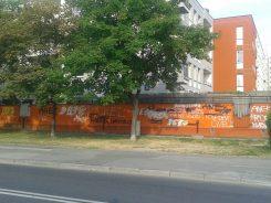 To zdjęcie bloku na Myszkowskiej pochodzi sprzed kilku dni. Budynek właśnie został odmalowany - po raz drugi w tym roku /fot. targowek.info