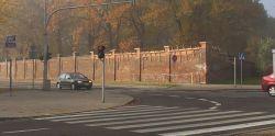 Mur jest łatany / fot. targowek.info