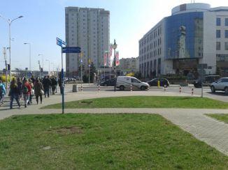 trawnik przy Kondratowicza 2