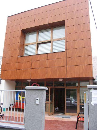 Główne wejście do nowego przedszkola