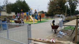 Plac zabaw przy ul. Blokowej na Zaciszu / fot targowek.info