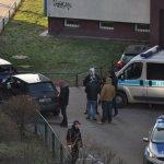 Uciekał przed policją, został postrzelony na Targówku, jest na wolności