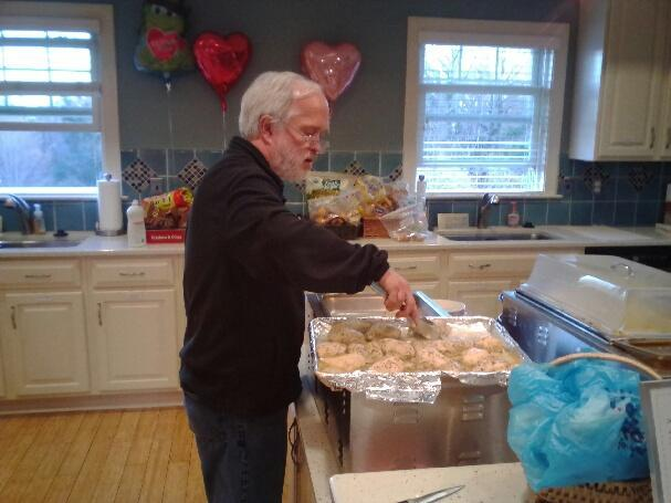 Team Tar Heel provides meal for families in need