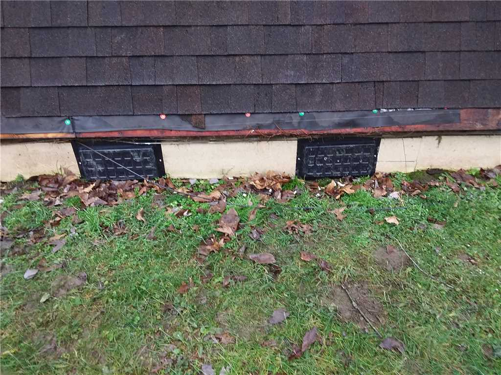 covered crawl space vents