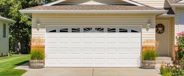 Quelles Sont Les Dimensions Standard D Une Porte De Garage