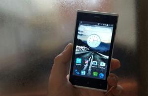 smartphone altroconsumo 2 euro recensione