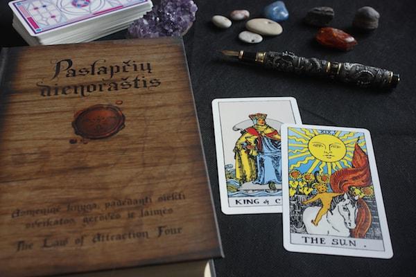 Taro kortų apžvalgos