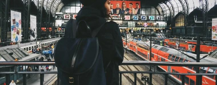Frau mit einer echt britische Taschen