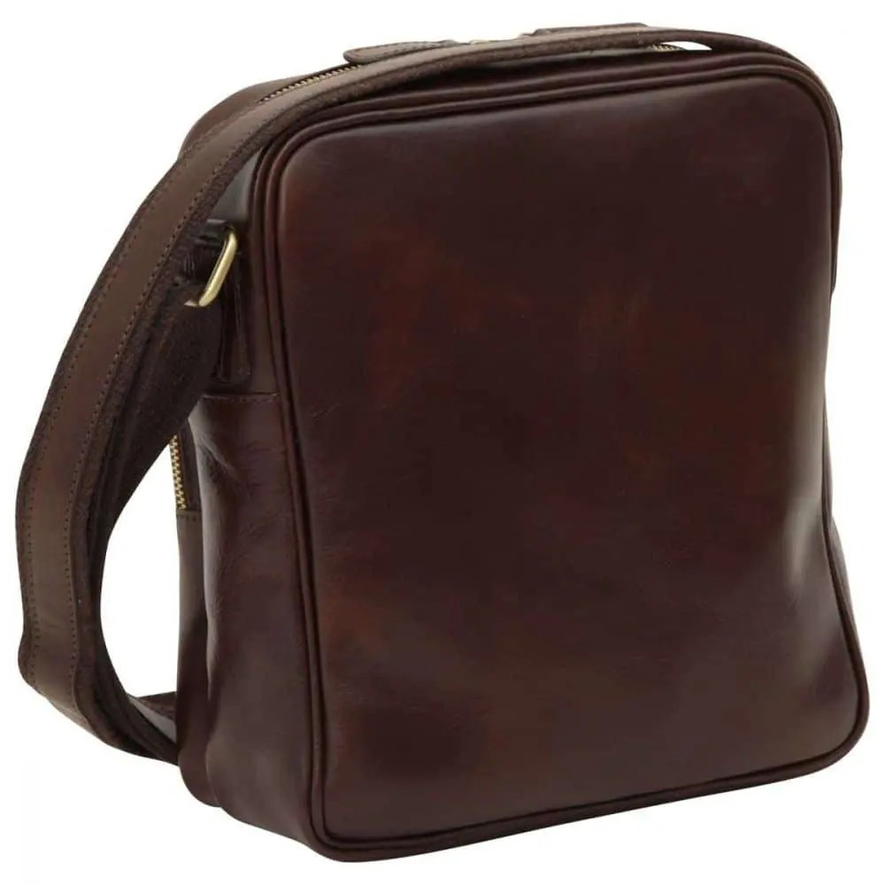 Rückseite kleine Laptoptasche aus Leder dunkelbraun