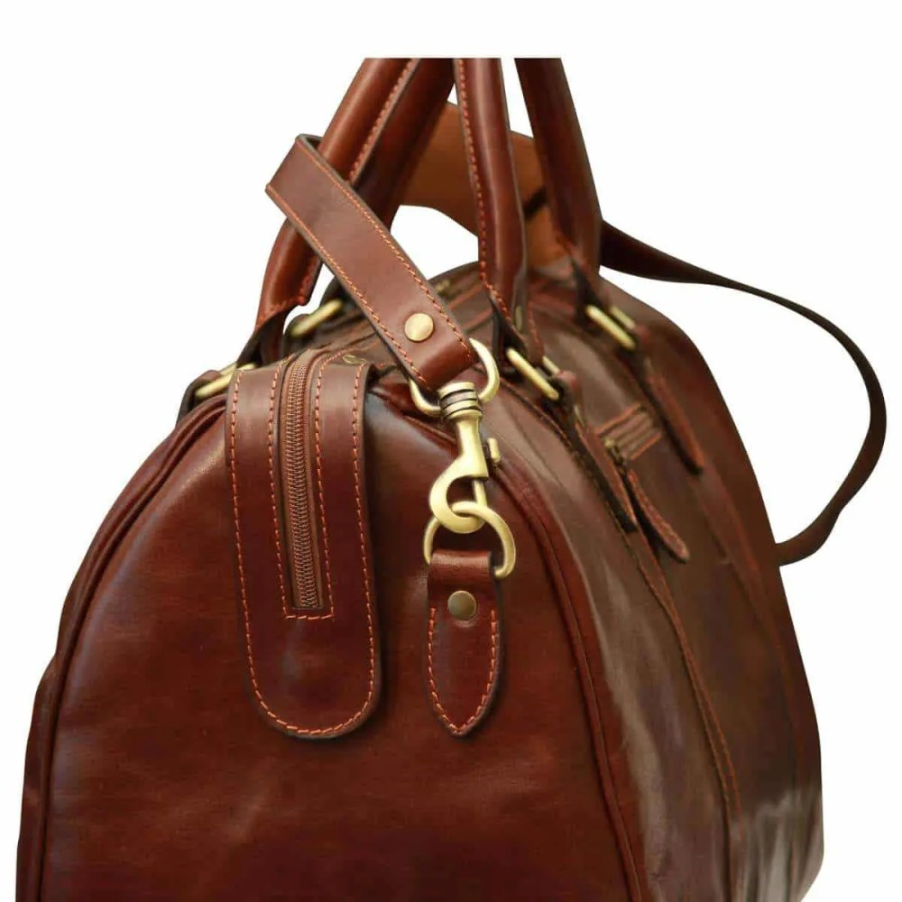 Seite Reisetasche mit Schultergurt braun