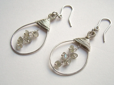 Tutorial for these earrings available at Marie Cristines website
