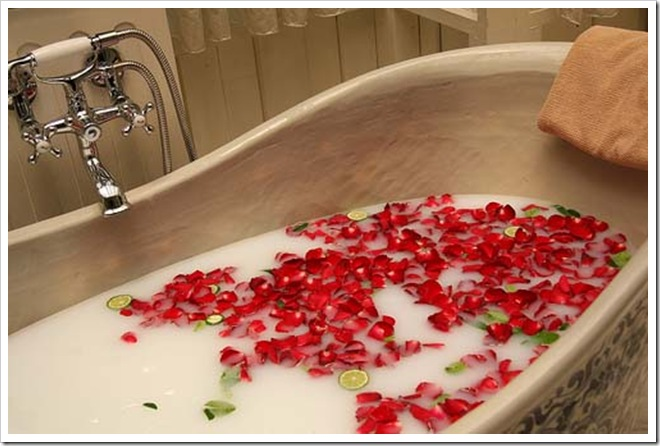 Bubble-Bath_Taking-Time-for-Yourself_Priorities_Time-Management_Rose-Petals