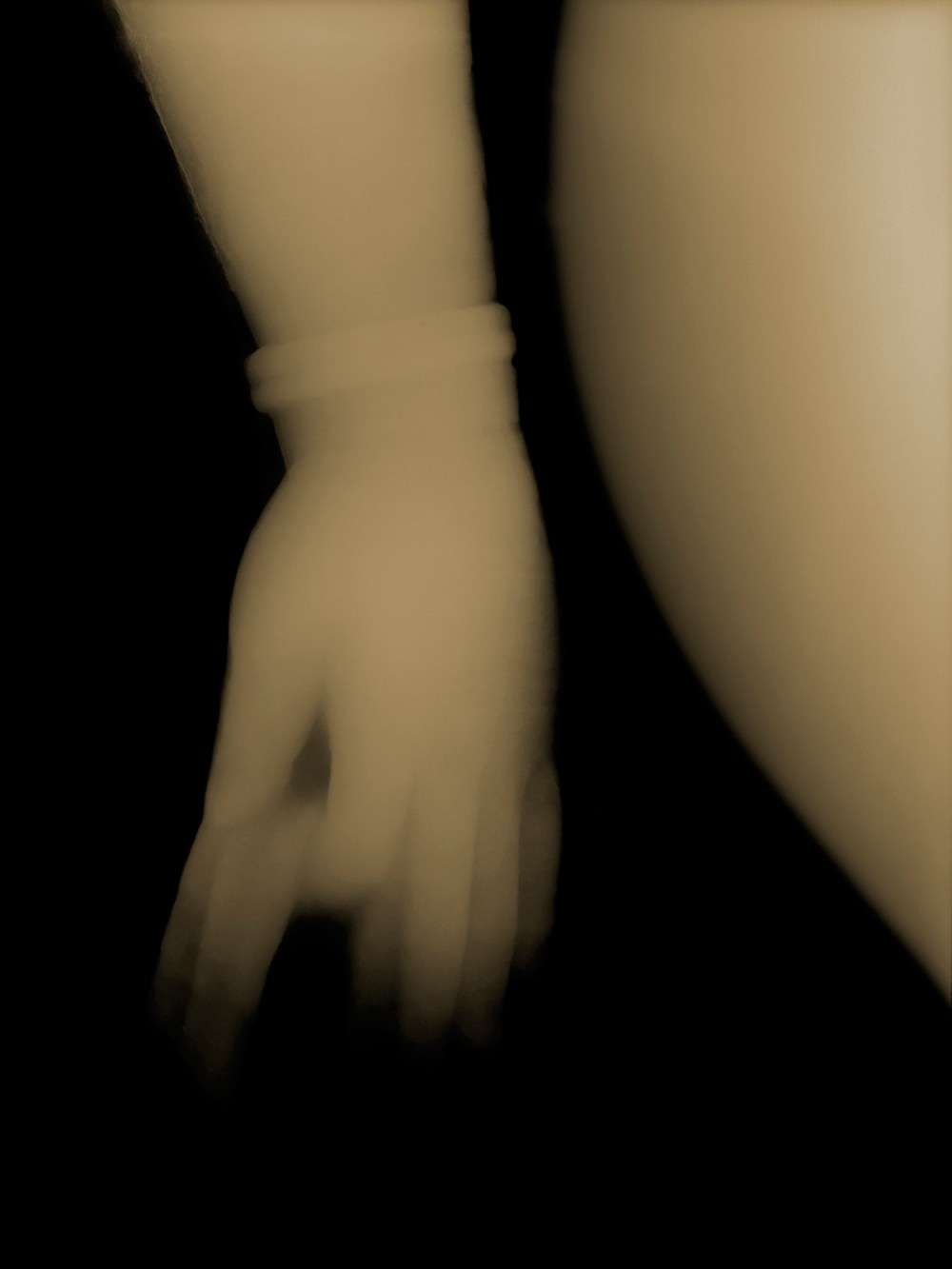 xray photograph of Buddha hand