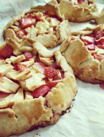 Glutenfree Strawberry and Apple Galette