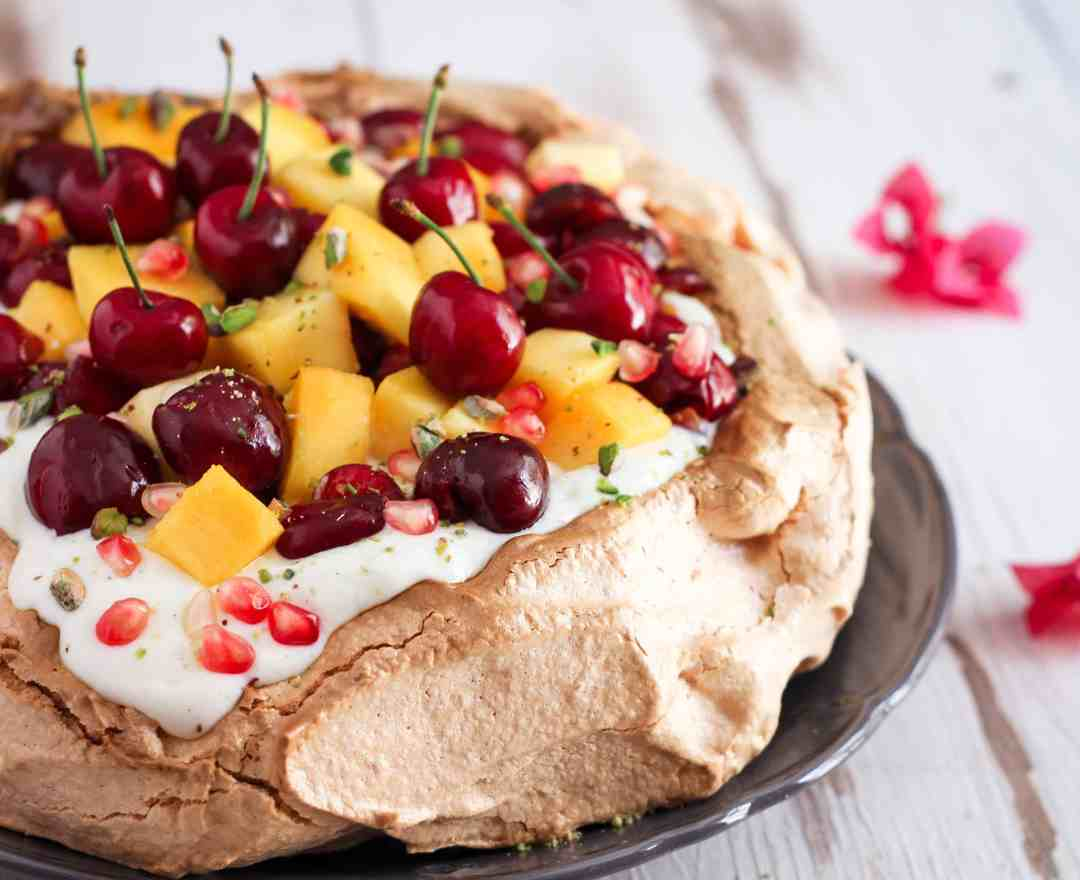 Pavlova dessert meringue summer recipe easy entertaining baking summer