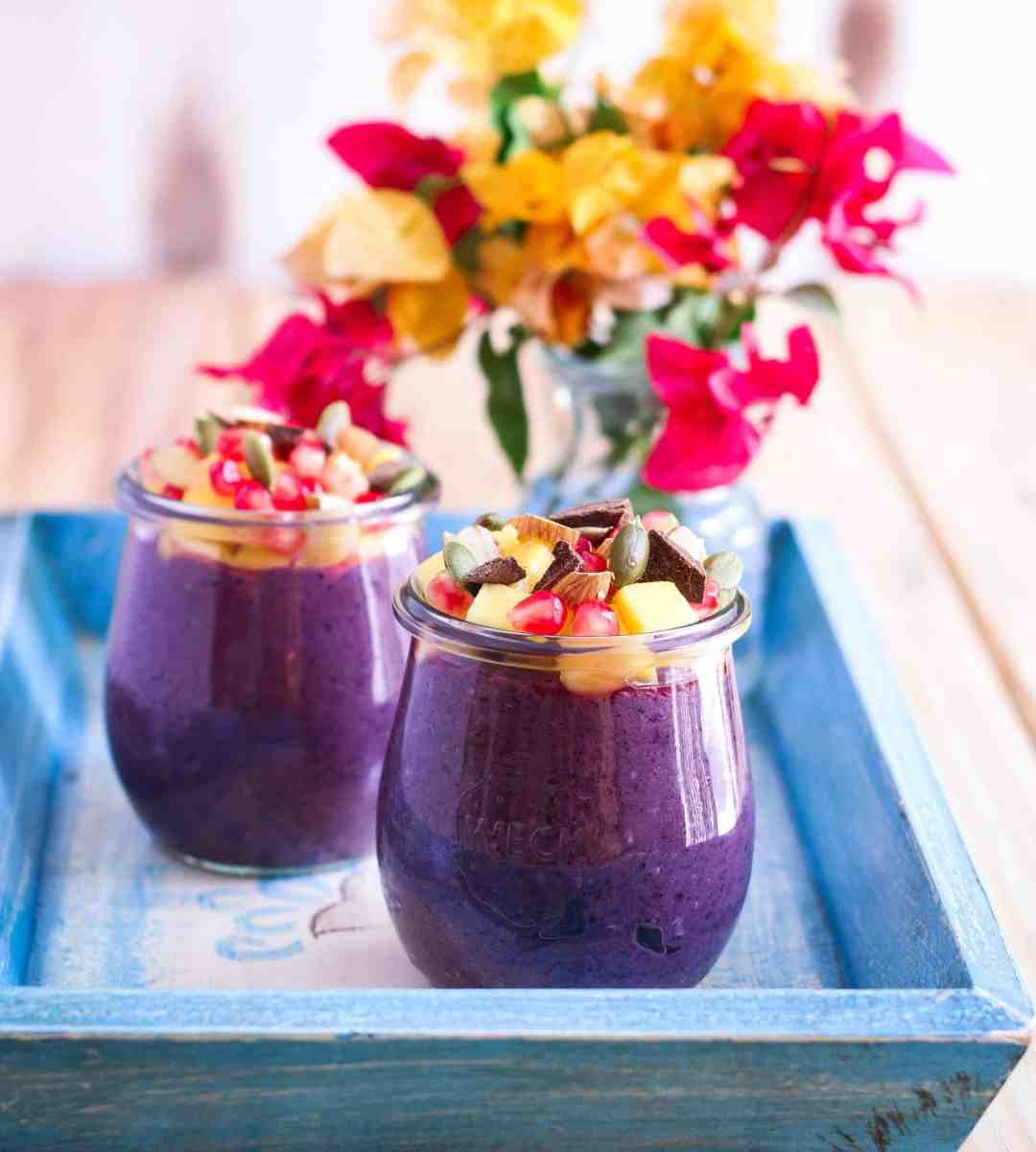 Blueberry Overnight Oats healthy delicious easy breakfast vegetarian Mother's Day