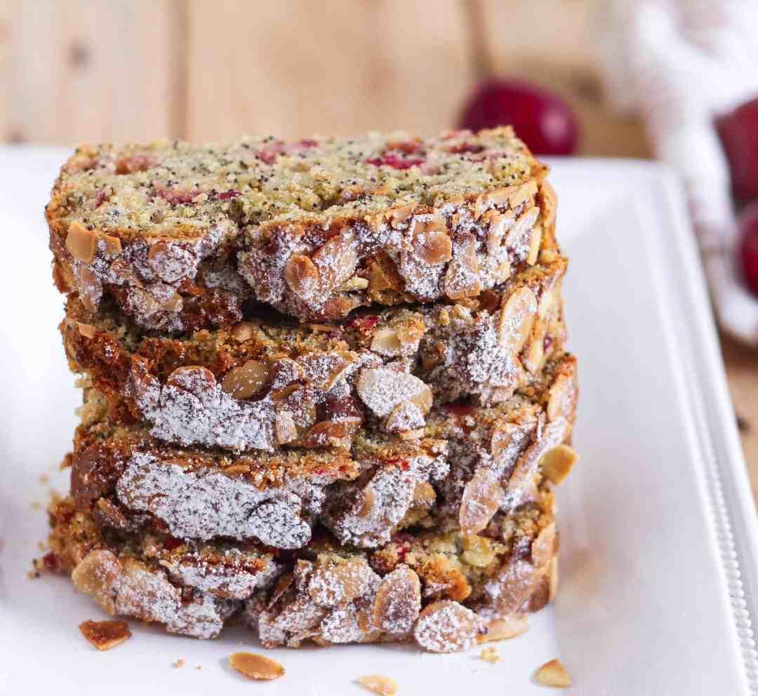 Plum Poppyseed Cake wholegrain baking healthy easy recipe summer fruits