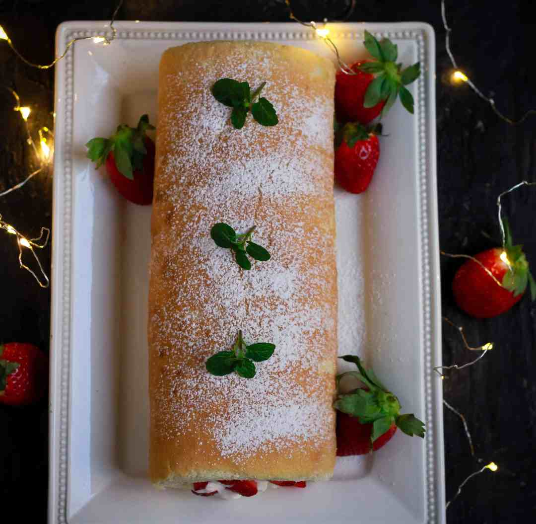Strawberry & Cream Swiss Roll