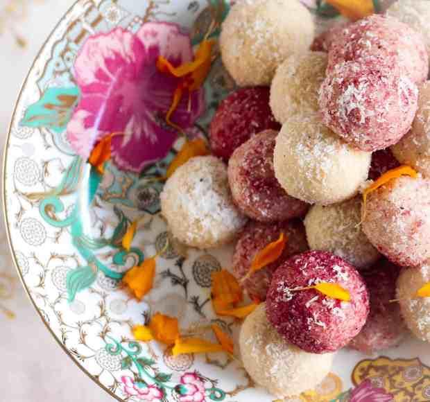 Easy Coconut Ladoo ( laddu), festive season, diwali, vegetarian, dessert, indian sweet, indian dessert, dessert, indian cuisine