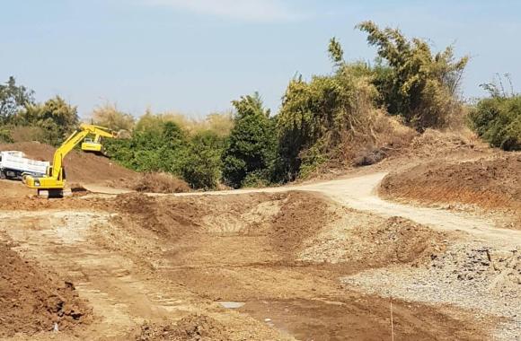 Loburi Dam 124