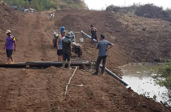 Loburi Dam 174