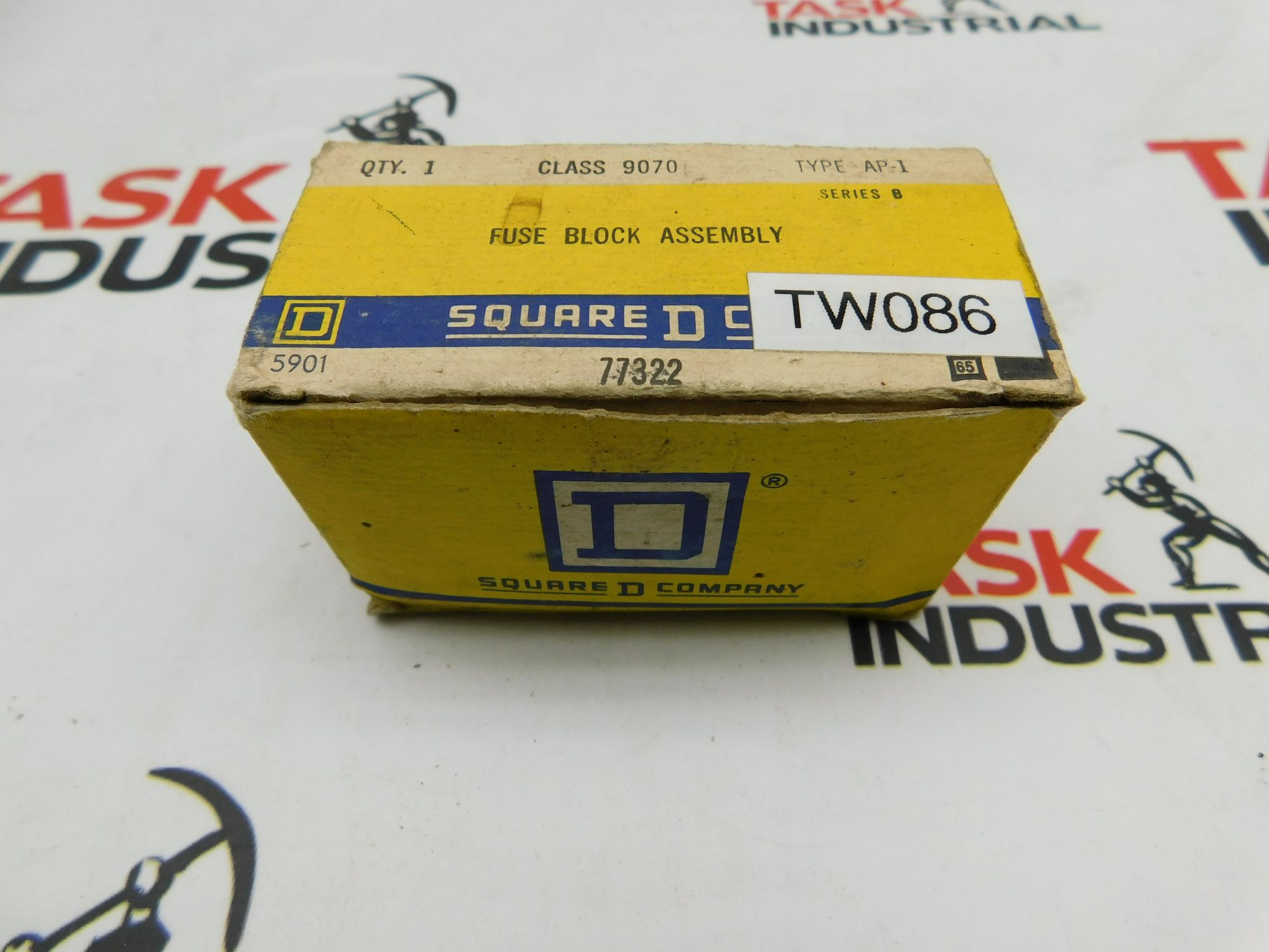 hight resolution of square d 77322 fuse block assembly class 9070 type ap 1