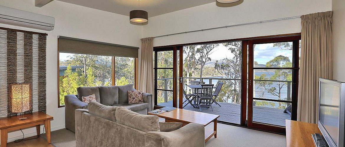 Stewarts Bay Lodge - Water View Chalet