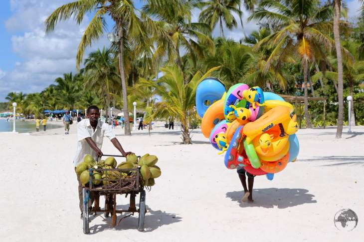 Vendors on the beach at Boca Chica
