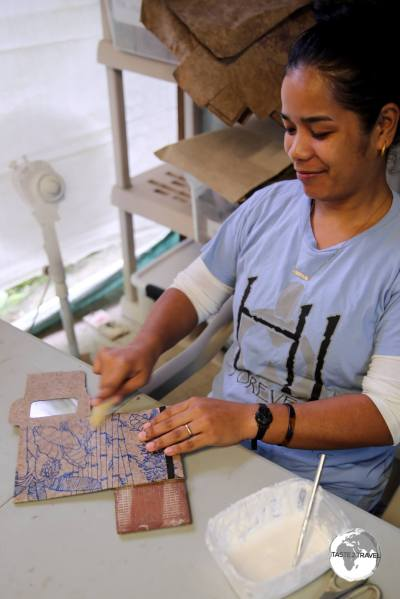 Step 5: Once dried, the company artisans transform the paper sheets into wallets, stationary, cards etc
