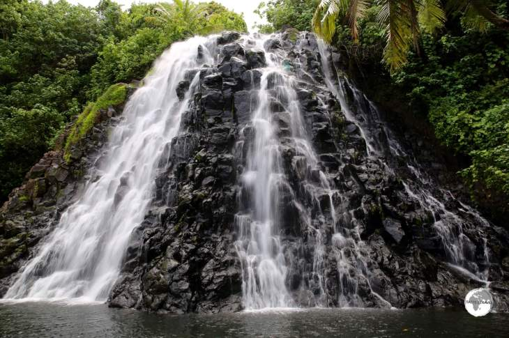 Pohnpei Travel Guide: Kepirohi waterfall is located a short drive from Nan Madol.